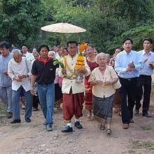 Traditional wedding in Luang Prabang - The man enters