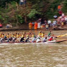 Boat racing festival - Final at Xieng Ngeun, 30km from Luang Prabang