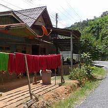 The village of Ban Se, specialized in dyeing